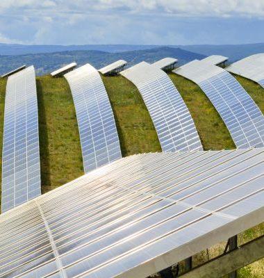 Solar Farm veldopstelling - heuvel